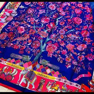 Mint unused new Hermès scarf 90cm square stunning!